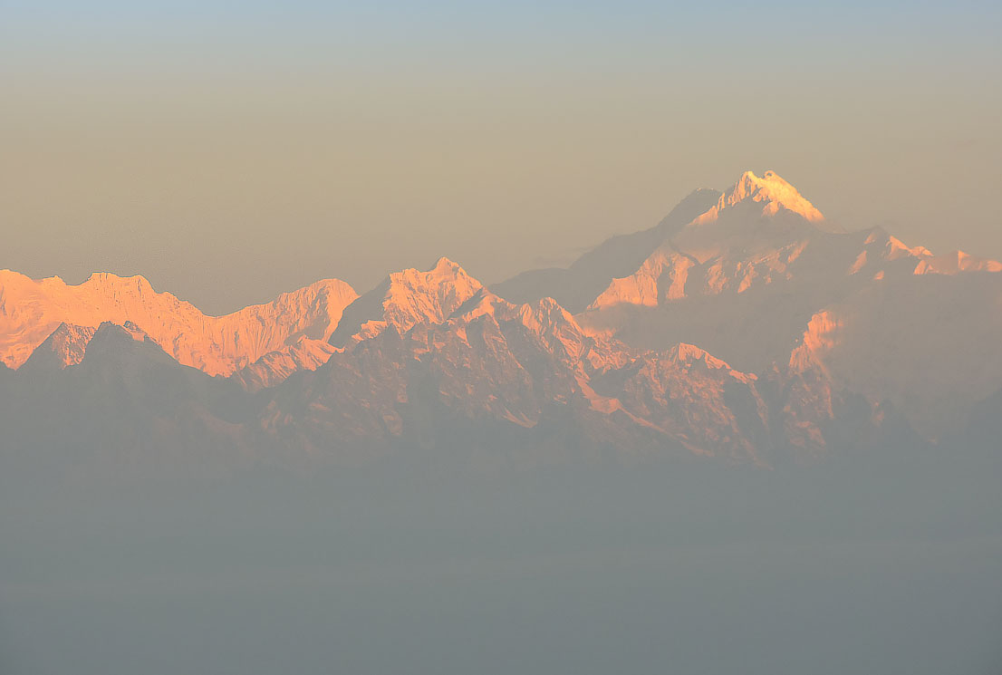 Kanchenjungha Sunrise from Tiffin Dara