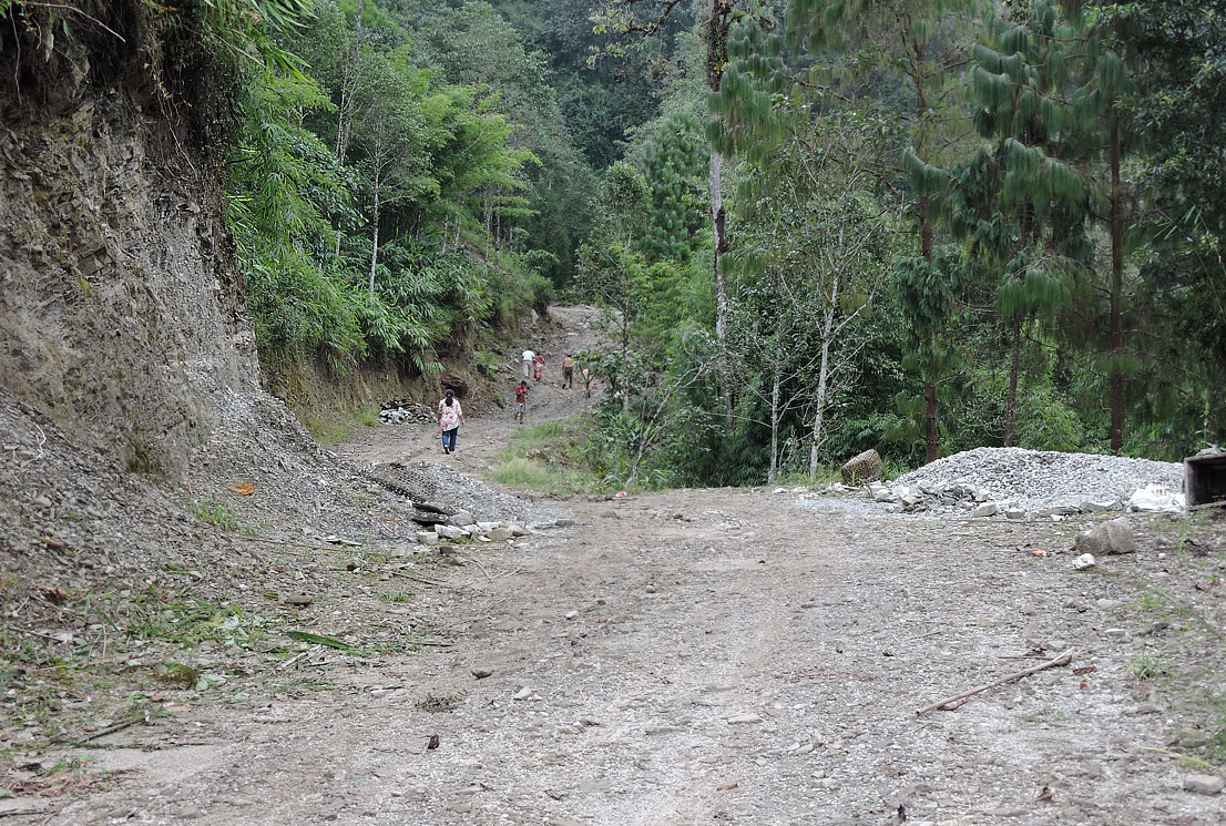 Trek route to Seole Village from Rishop