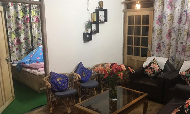 Gorkhali Homestay drawing room, Cheap and best homestay at Peshok