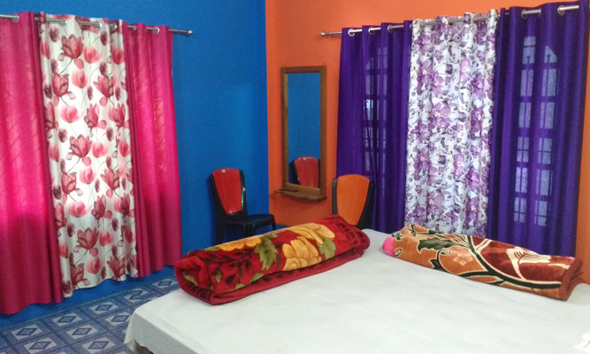 Large double beaded room in Trinayani Homestay