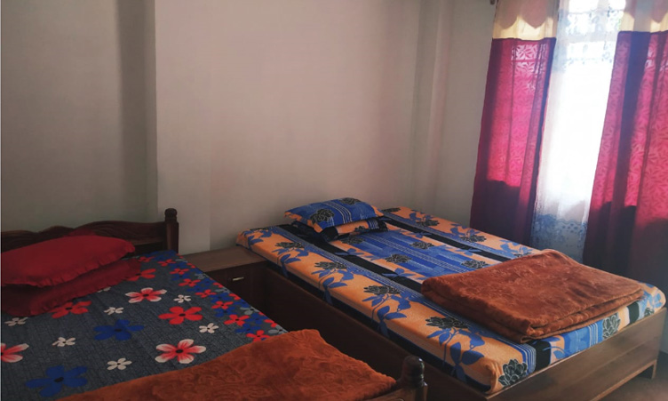Nice room with double bed of Noryang Homestay at Tinchuley